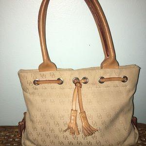 Dooney & Bourke classic bag